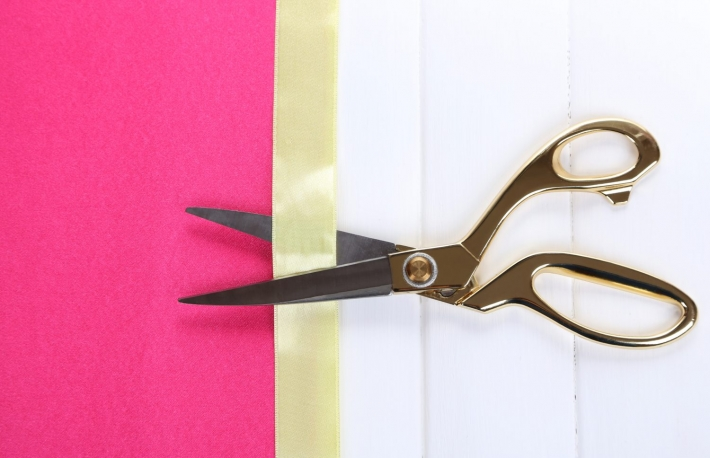 https://www.shutterstock.com/image-photo/scissors-on-color-fabric-background-188674211