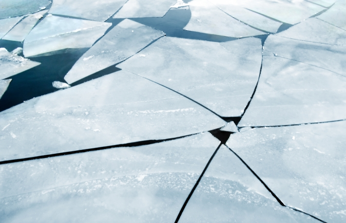 https://www.shutterstock.com/image-photo/cracked-ice-on-river-spring-26141074?src=MMiz__Q9fZ3VmsHoio3_qA-1-92