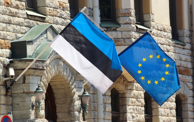 https://www.shutterstock.com/image-photo/estonian-european-union-flags-on-facade-688667029?src=3R2hjT5TL5cGa081pBDqnA-1-26