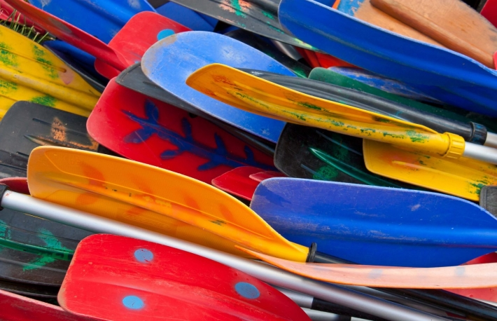 https://www.shutterstock.com/image-photo/bunch-plastic-colorful-oars-276096614?src=2xPhBnwKErSX5ahu3ICFCw-1-84