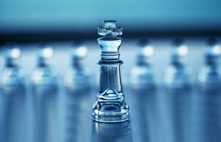 https://www.shutterstock.com/image-photo/chess-king-with-pawns-out-focus-136273325?src=dsJTvmp6I5QyF18sJ1N3Ng-1-83