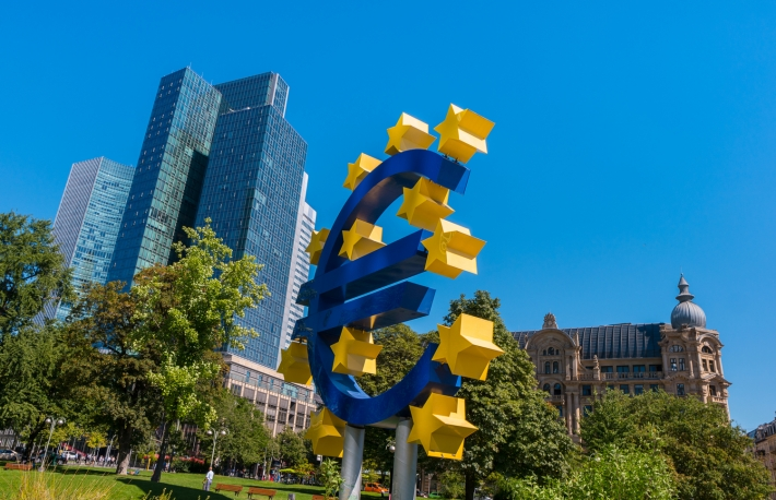 https://www.shutterstock.com/image-photo/euro-sign-financial-district-frankfurt-germany-525526324?src=LRFDk7IvlAaPQJSav7RcCQ-1-4