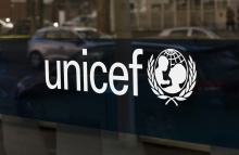 https://www.shutterstock.com/image-photo/hague-netherlandsfebruari-15-2017letters-unicef-on-580025197?src=tB2OdUf4Th6wIeN_JhMD2Q-1-4
