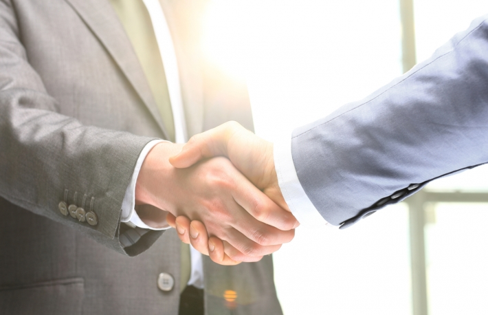 https://www.shutterstock.com/image-photo/business-handshake-two-businessman-shaking-hands-388056073?src=CCSjNI_NmWa6UZ1dVM2x1A-1-53