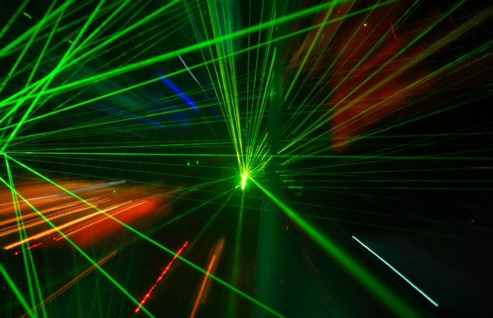 https://www.shutterstock.com/image-photo/abstract-laser-light-120222058?src=t7CLRxn-bp4FXWpghGDZDA-3-16