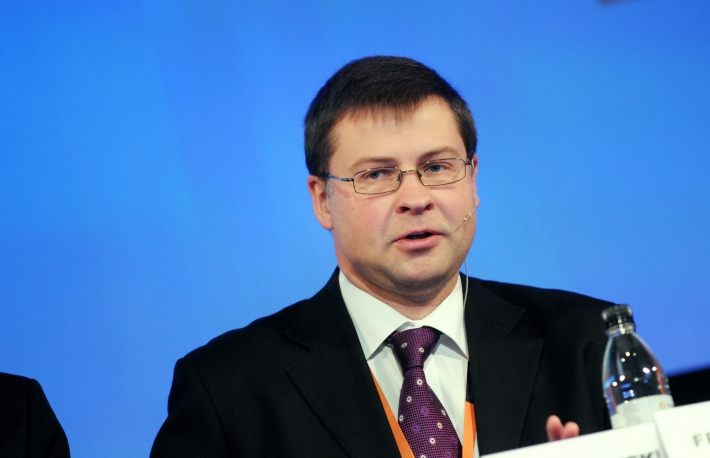 https://commons.wikimedia.org/wiki/File:Valdis_Dombrovskis,_Lettlands_statsminister,_vid_Baltic_Development_Forums_summit_i_Stockholm_2009.jpg
