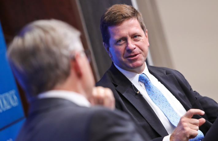 SEC's Clayton Says Payment Inefficiencies Are Boosting Bitcoin's Rise