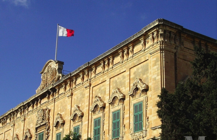 https://commons.wikimedia.org/wiki/File:Auberge_de_Castille_et_Leon_-_Valletta_-_Malta_-_Close-up.jpg