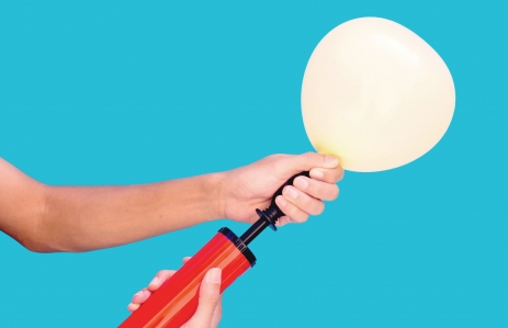 https://www.shutterstock.com/image-photo/hand-holding-air-balloon-pumping-497401393?src=lCFBq42MaXnCY1Fp_onjyA-1-39