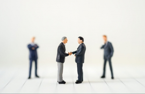 https://www.shutterstock.com/image-photo/miniature-businessman-handshake-success-deal-business-709503145?src=O-8OM0wmD-xjaNAu9FLOCw-2-55