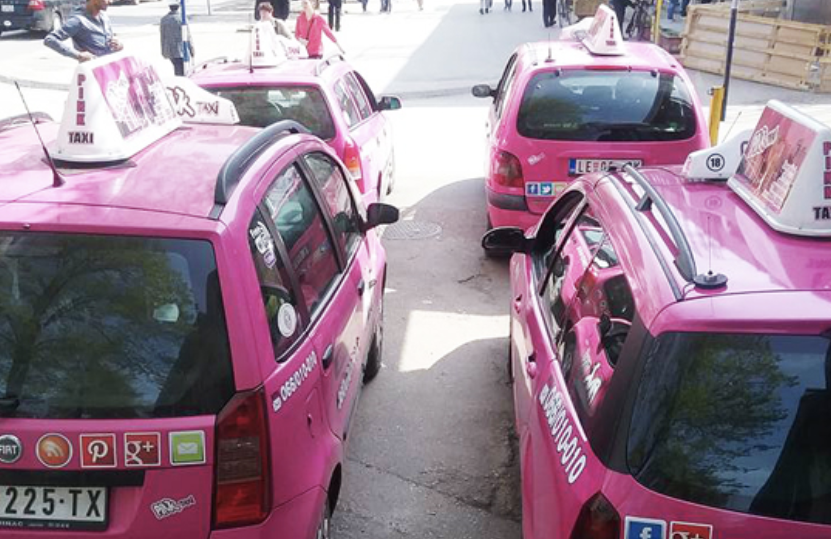 Pink Taxis, Red Flags: A Deep Dive Into a Sketchy ICO - CoinDesk