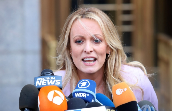 https://www.shutterstock.com/image-photo/stormy-daniels-holds-press-conference-after-1070317469?src=Bh_r534WzlQLCZco9u5leg-1-0