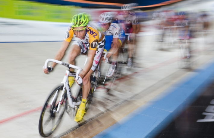 https://www.shutterstock.com/image-photo/zurichnov-30-professional-athletes-indoor-bike-90765722?src=Xc-9GwyVCoSHoCK7_gnrrw-1-4