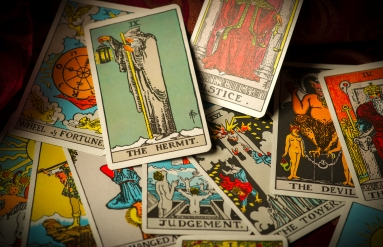 https://www.shutterstock.com/image-photo/pile-tarot-trump-cards-jumbled-scattered-282838805?src=xV4c0xxx_vdbVPEns9Pk_A-1-6