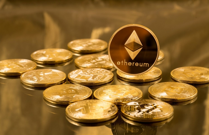 https://www.shutterstock.com/image-photo/single-ether-ethereum-coin-over-bitcoins-662800030?src=Kipr3RwfR-5KgN71GqB2MQ-1-1