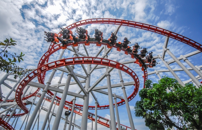 https://www.shutterstock.com/image-photo/rollercoaster-against-blue-sky-146187254?src=S3YG74fIuy7rpLHypY51jQ-1-36