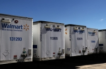 https://www.shutterstock.com/image-photo/row-walmart-trailers-parked-distribution-center-672843454