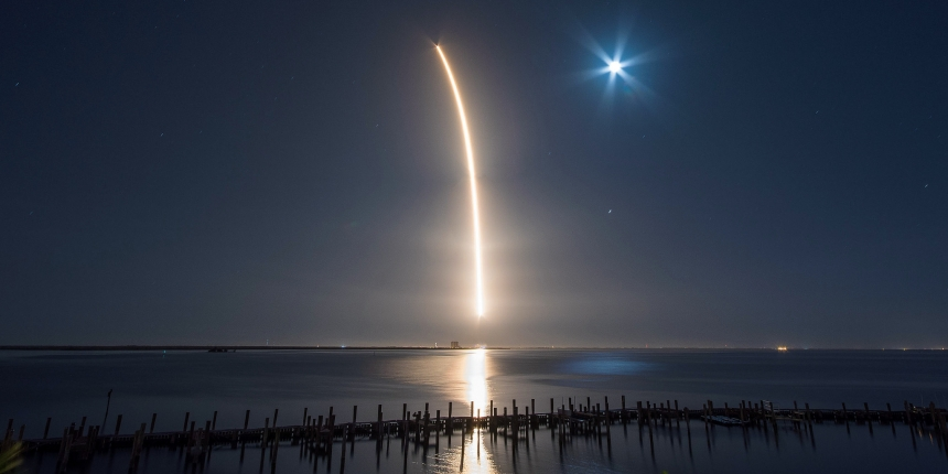https://www.flickr.com/photos/spacex/25790223907/
