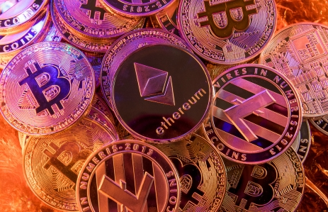 https://www.shutterstock.com/image-photo/ethereum-on-pile-cryptocurrency-794562280?src=Uo5OnL8WwSJHFYTlQE8NCw-1-21
