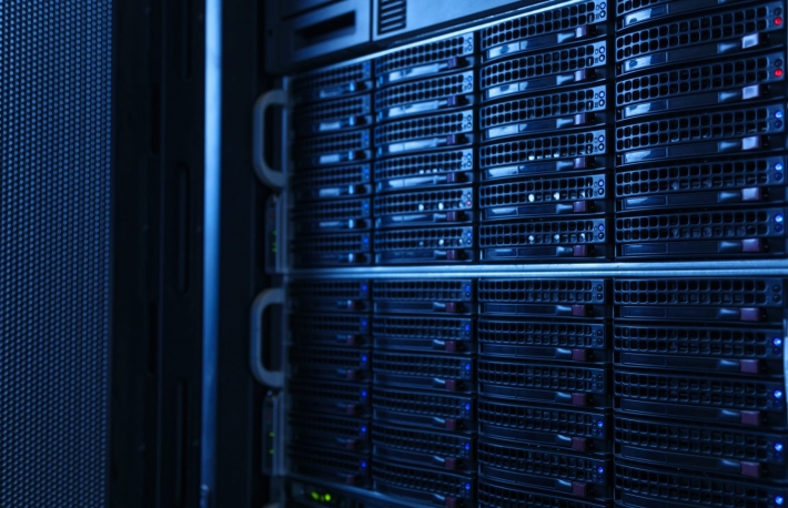 https://www.shutterstock.com/image-photo/server-rack-cluster-data-center-628642592?src=rkt2nqNLQyb1tRIfzgn3EQ-1-25