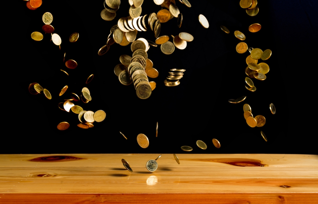https://www.shutterstock.com/image-photo/falling-gold-coins-money-on-wooden-721690318?src=KH0faamaONDq28zwAYWofA-1-16