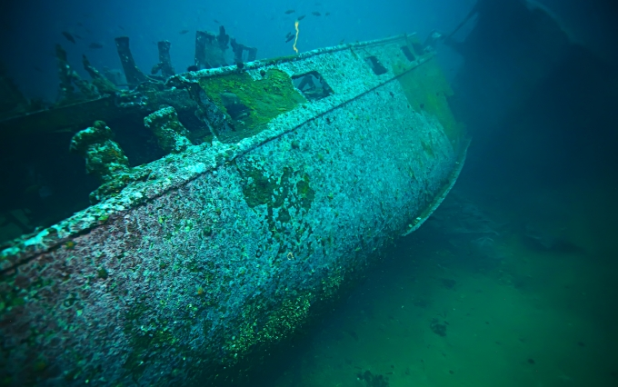 https://www.shutterstock.com/image-photo/shipwreck-diving-on-sunken-ship-underwater-769615369?src=IHiNjQ427AH1wI3PnSGH5Q-1-0