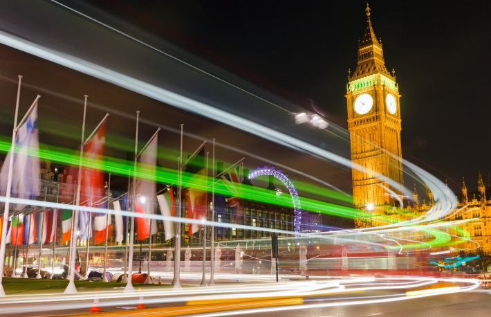 https://www.shutterstock.com/image-photo/traffic-night-london-uk-58606099?src=gtjsYL-DqCZC_P8CGfIpEA-1-52