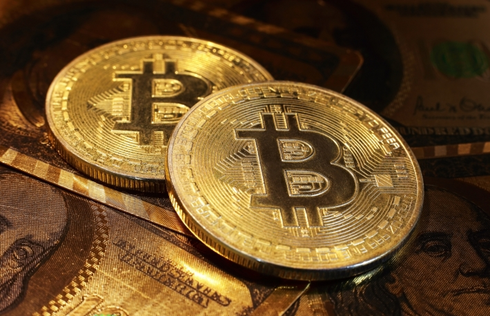 https://www.shutterstock.com/image-photo/golden-bitcoin-dollar-background-conceptual-image-537448696?src=_u9tHRYV-zfA0AsB2hQ5GA-1-66