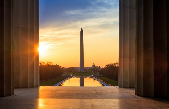 https://www.shutterstock.com/image-photo/sunrise-lincoln-memorial-washington-monument-188627486?src=35y-32VQnQpb_KioL0MUDg-1-7