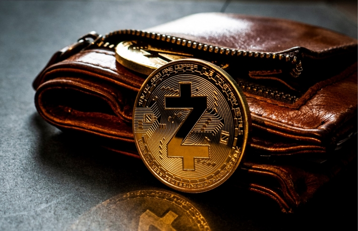 https://www.shutterstock.com/image-photo/golden-z-cash-coin-leaning-against-1115363828?src=1tlBrhWvjfIOSJYKhty_Bw-2-25
