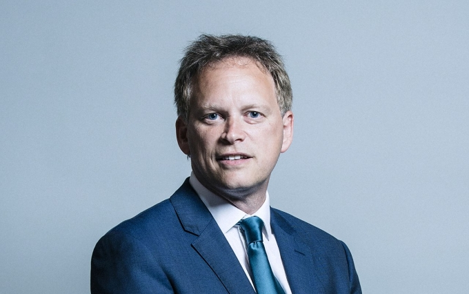 https://commons.wikimedia.org/wiki/File:Official_portrait_of_Grant_Shapps_crop_1.jpg
