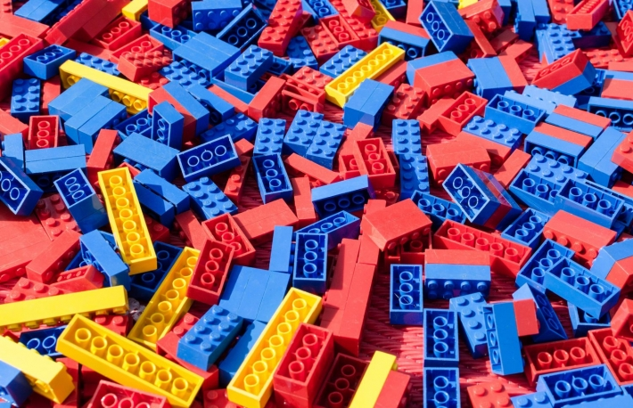https://www.shutterstock.com/image-photo/blue-red-yellow-lego-toy-bricks-155236715