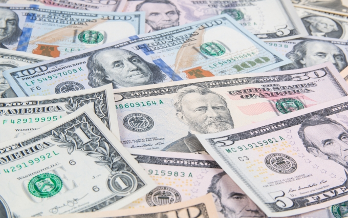 https://www.shutterstock.com/image-photo/american-us-dollars-banknotes-785297263?src=8W8vfdwRAgiwGMhZ9vVGRA-1-74