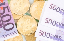 https://www.shutterstock.com/image-photo/photo-different-type-currency-bitcoin-false-1164653782?src=V8fr68tSlpRkjTD6jC5q8w-1-71
