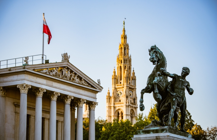 https://www.shutterstock.com/image-photo/austrian-parliament-viennas-historical-city-hall-558686410?src=Yfej4Lg2eyRTdJUGGy-5dg-3-6