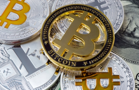https://www.shutterstock.com/image-photo/cryptocurrency-physical-gold-bitcoin-coin-on-1039691377?src=0P3s2M9LG5gHQFBBQCcp2w-1-10