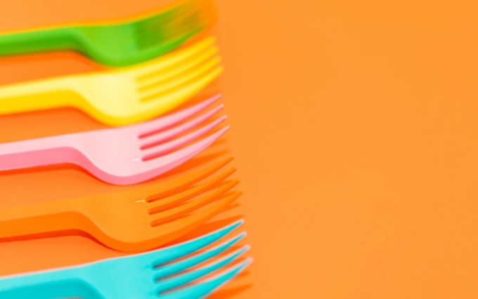 https://www.shutterstock.com/image-photo/colored-forks-background-1029127765?src=HsGHo93_LvG5OzwkaUDPxg-1-2
