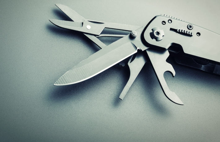 multi_purpose_tool_swiss_army_knife-2
