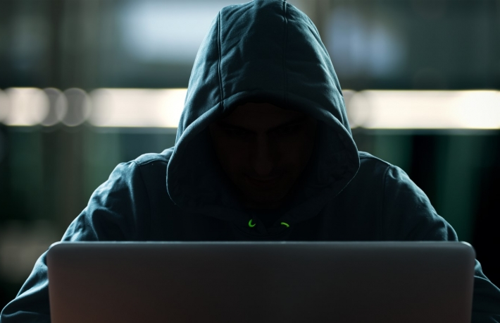 https://www.shutterstock.com/image-photo/hacker-front-his-computer-dark-face-410813953?src=kxbsb2Wgn6zBA7E8LQb21Q-2-0