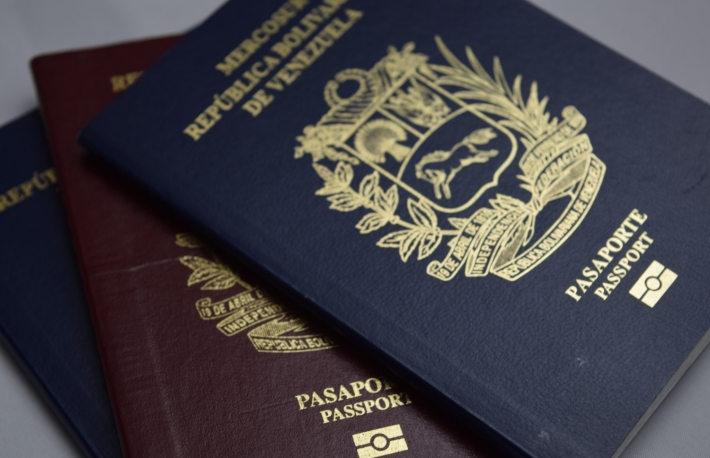https://www.shutterstock.com/image-photo/document-passport-venezuela-horizontal-shot-1031179876?src=pqqOUN83lzUIdktsFzSstQ-1-0
