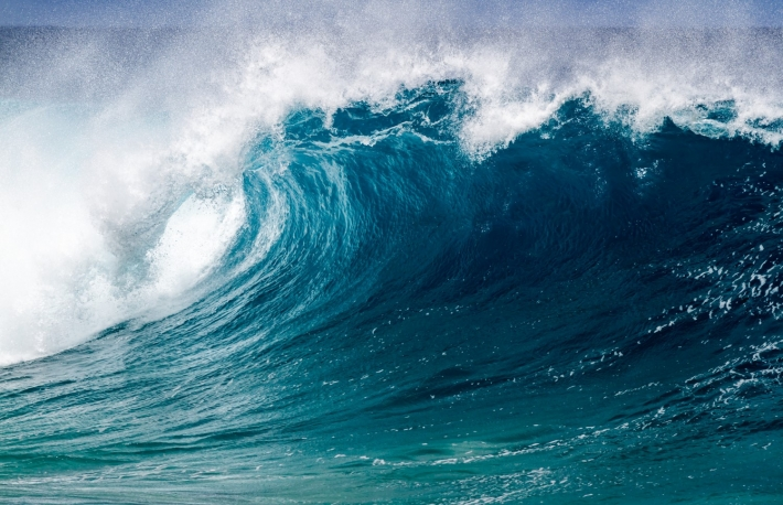 https://www.shutterstock.com/image-photo/perfect-big-breaking-ocean-barrel-wave-543829444?src=GxBvjjyE-LlVsjludfJvjg-1-26