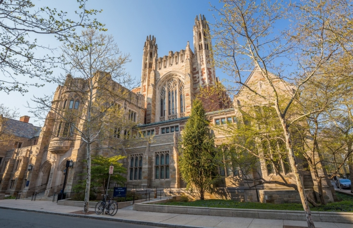 https://www.shutterstock.com/image-photo/yale-university-buildings-spring-blue-sky-278796842?src=2St64qQ7fAbQf1NbkmaTQw-1-4