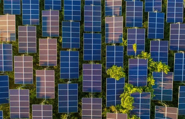 https://www.shutterstock.com/image-photo/top-view-solar-panels-cell-farm-727265002?src=1YilWL5J9_a07kVvUoCvGg-1-95