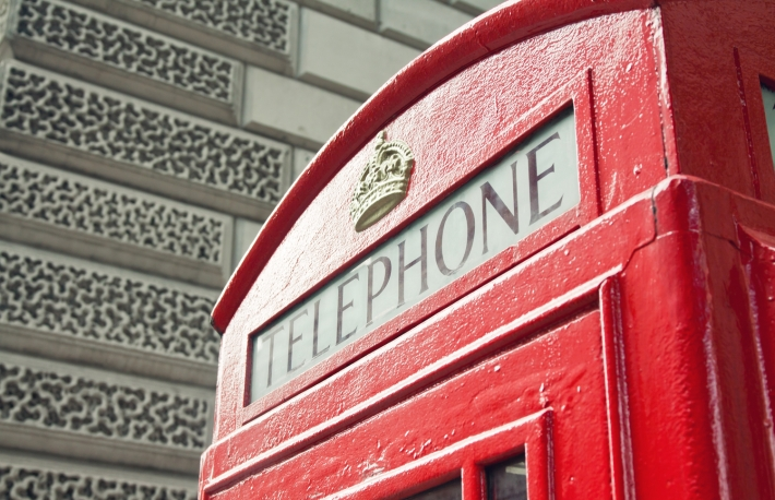 https://www.shutterstock.com/image-photo/red-telephone-booth-london-street-day-164130347?src=dOi_QY1QH32w6zuNGONrSw-1-48
