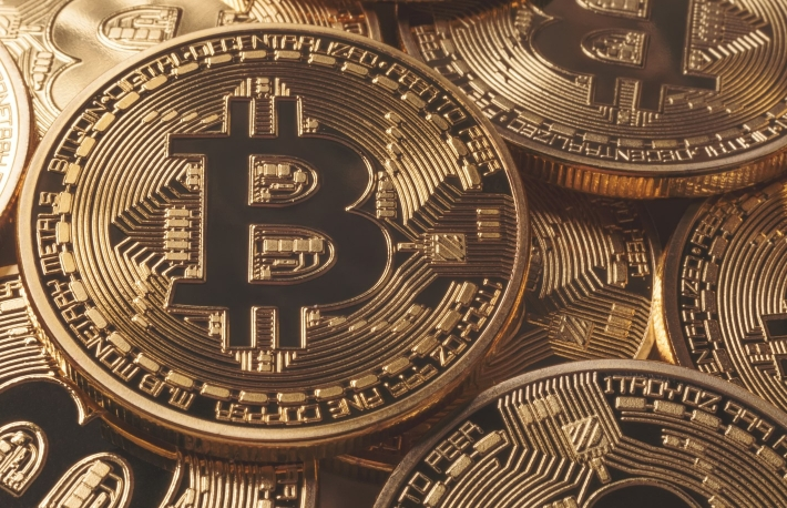 https://www.shutterstock.com/image-photo/golden-bitcoins-new-virtual-money-600687353?src=eBHuYcd3oVyO5UiKoMbW2Q-1-91
