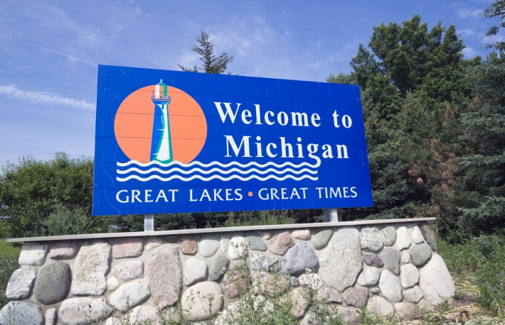 https://www.shutterstock.com/image-photo/michigan-welcome-sign-summer-time-34040149?src=gFbIwxP5vEggsPSQvOJtmg-1-5
