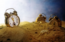 https://www.shutterstock.com/image-photo/sand-running-out-nostalgic-alarm-clock-470218238?src=L6_6SGB0n-tTr6tZiS8_Ow-1-88