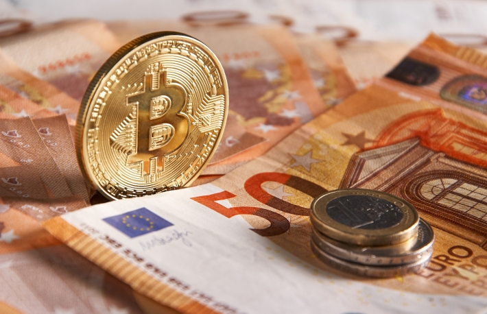 https://www.shutterstock.com/image-photo/golden-bitcoin-on-fifty-euro-banknotes-1055805755?src=cCtin9V5ZeUXYRykphnMfg-1-4
