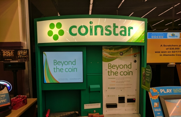 https://commons.wikimedia.org/wiki/File:Coinstar_kiosk.jpg