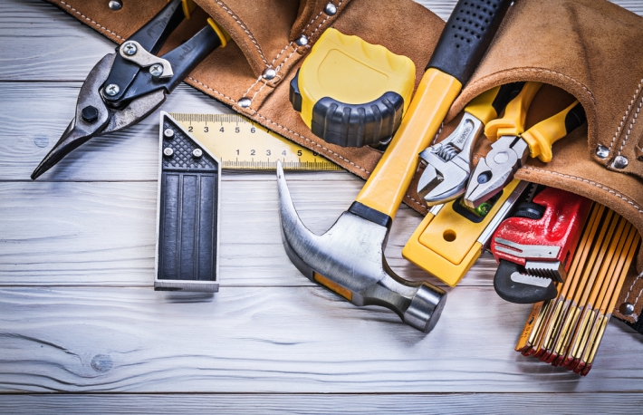 https://www.shutterstock.com/image-photo/leather-tool-belt-construction-tooling-on-439956097?src=DEBhFUdZHmGp_cTVWCar1A-1-2